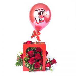 Tarjetón de felicitaciones con rosas rojas