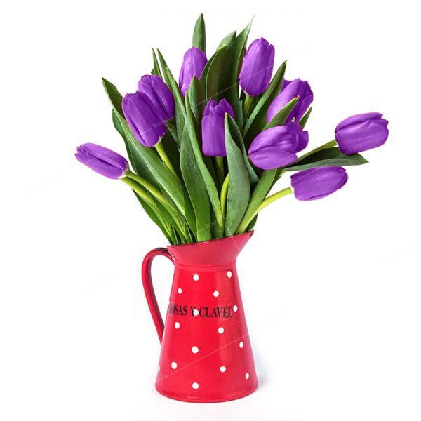 Jarra con tulipanes lilas