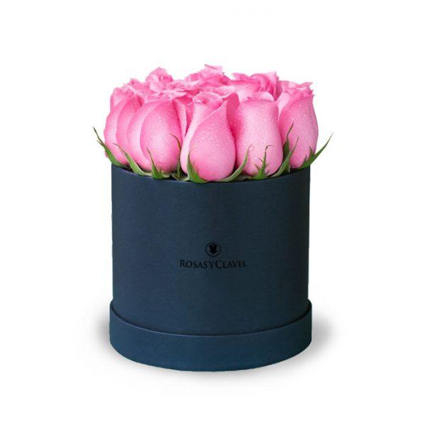 Box con 12 rosas rosadas