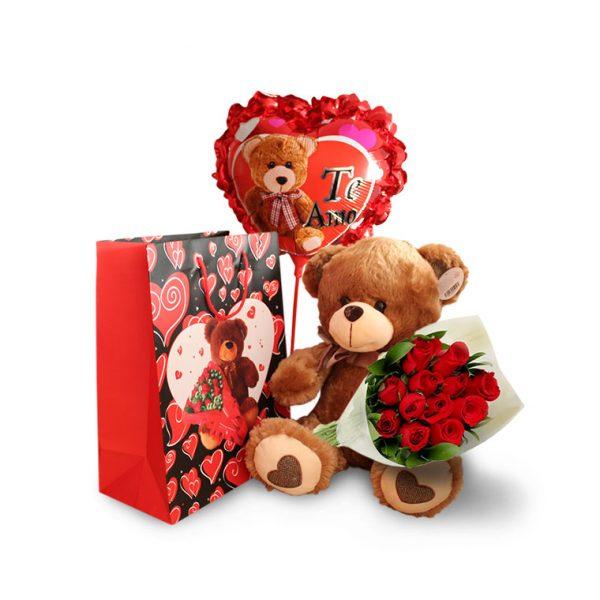 Ramo de rosas rojas con oso de peluche